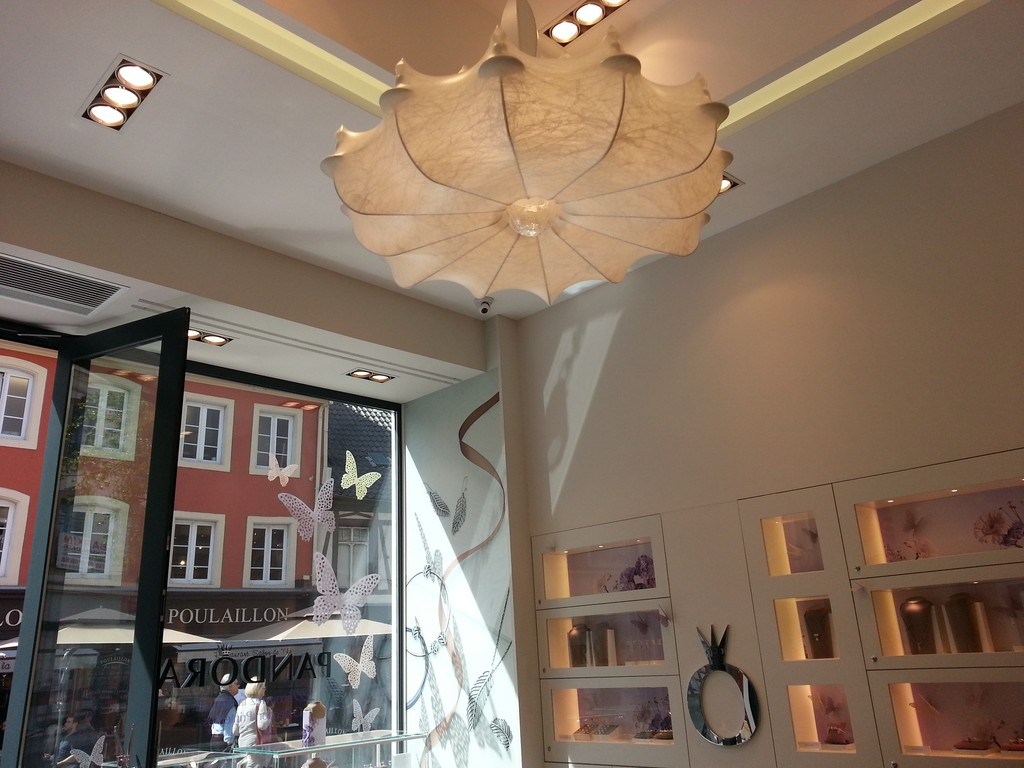 plafond-decoratif-boutique-pandora-mulhouse-68-03