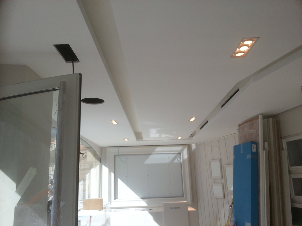 plafond-decoratif-boutique-pandora-colmar-68-03