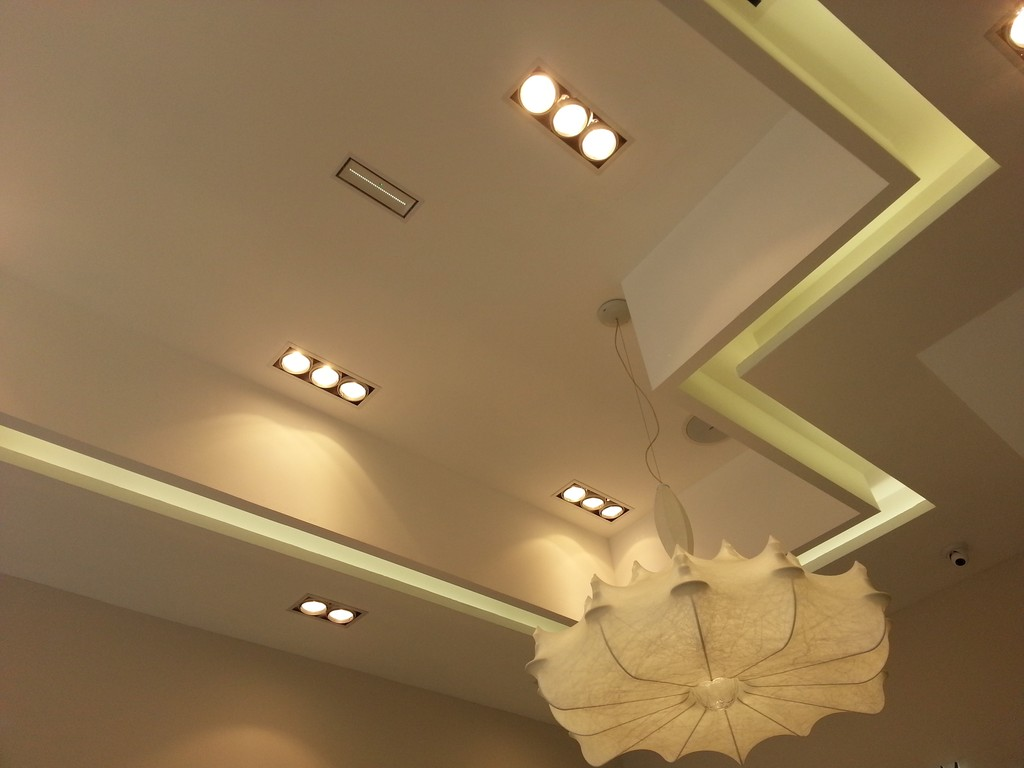 plafond-decoratif-boutique-pandora-mulhouse-68-02
